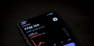 Can you buy FTSE 100 shares?