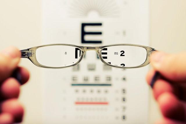 How do glasses work?